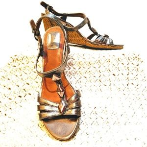 Clark's gold wedge sandals. Wicker-like heel. 8.5